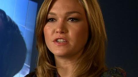 Dexter Season 5 Reflecting - Julia Stiles