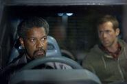 DHS- Denzel Washington & Ryan Reynolds in Safe House