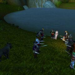 Spalier stehen auf Kater und Lottes Hochzeit.