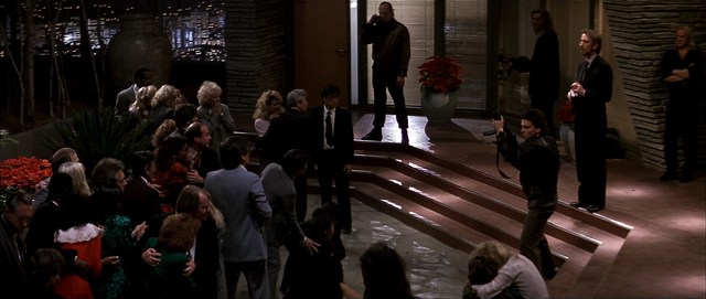 File:Hans in foyer.PNG