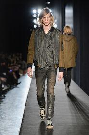 FW13-Milan-Mens-Black-Gold-catwalk-35