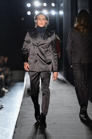 FW13-Milan-Mens-Black-Gold-catwalk-11