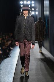 FW13-Milan-Mens-Black-Gold-catwalk-19