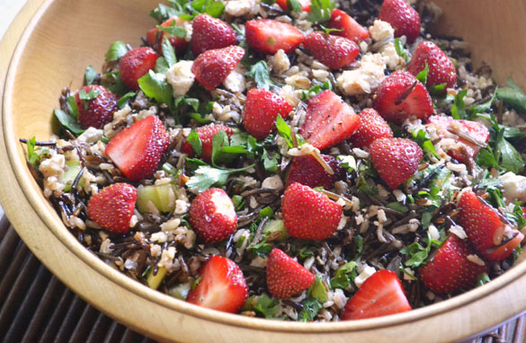 File:Wild-rice-strawberry-salad-2.jpg