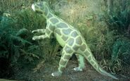 Psittacosaurus-Prehistoric-Gardens-700x437
