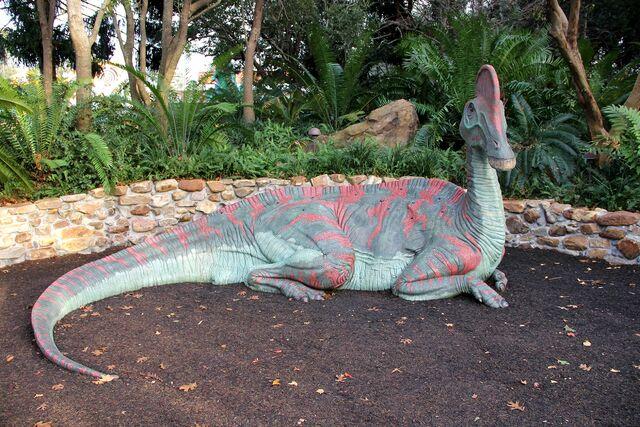 File:Corythosaurus at cretaceous trail.jpg