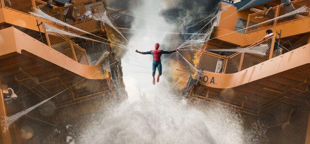 File:Spider-Man Homecoming 21.jpg
