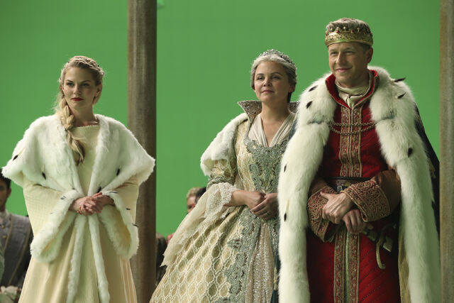 File:Once Upon a Time - 6x10 - Wish You Were Here - Released Images - Emma, Snow and Charming.jpg