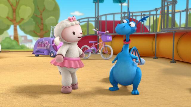 File:Lambie and stuffy7.jpg