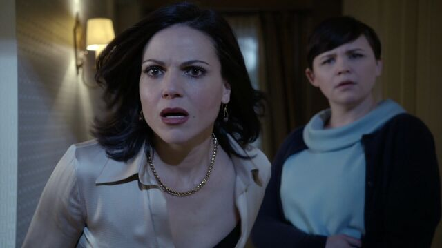 File:Once Upon a Time - 3x18 - Bleeding Through - Regina and Mary Margaret.jpg