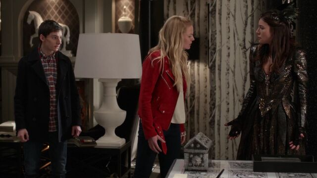 File:Once Upon a Time - 6x20 - The Song in Your Heart - Emma Sings.jpg
