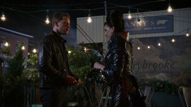 File:Once Upon a Time - 6x02 - A Bitter Draught - David and Evil Queen.jpg