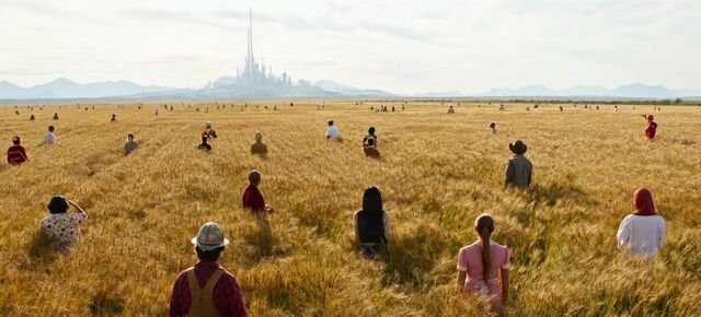 File:People Fields Tomorrowland.jpg