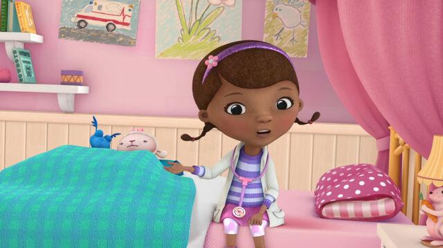 File:Stuffy and lambie sleeping in bed.jpg