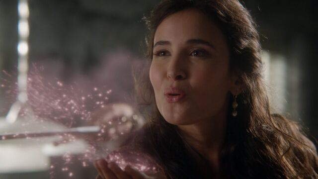 File:Once Upon a Time - 5x04 - The Broken Kingdom - Dust.jpg