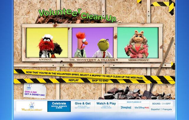File:Disneyparksgive.com-10.jpg