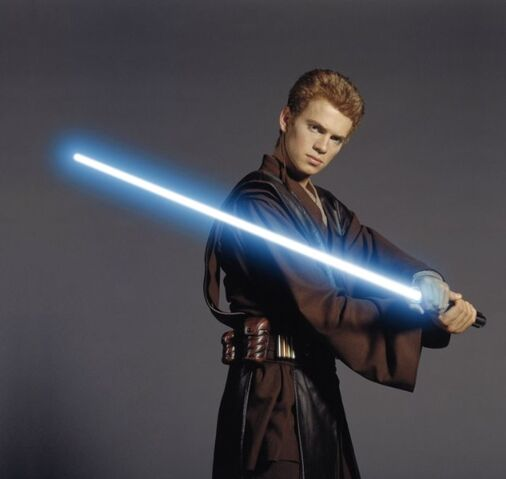 File:Hayden-Christensen-Attack-of-the-Clones.jpg