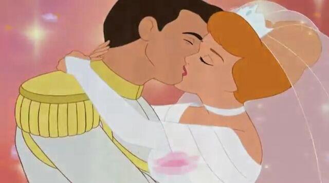 File:Wedding kiss 2.jpg