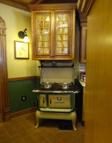 File:Jolly Holiday Soup Station.jpg