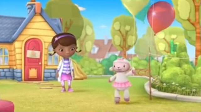 File:Lambie with a balloon.jpg