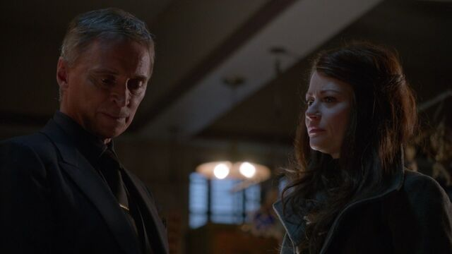 File:Once Upon a Time - 6x13 - Ill-Boding Patterns - Gold and Belle.jpg