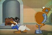 Donald Duck Modern Inventions 039