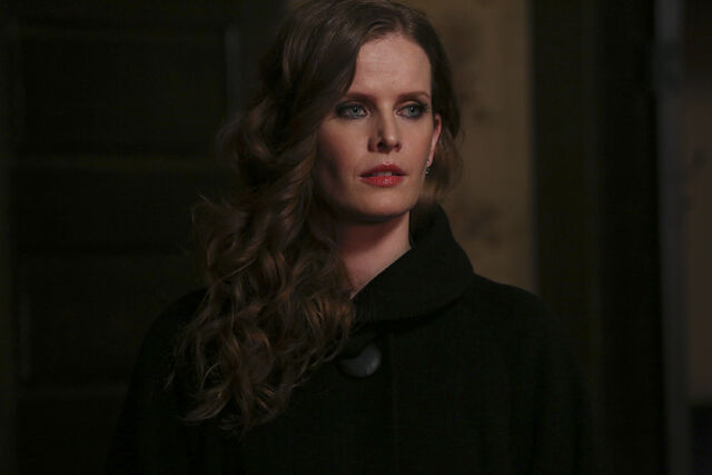 File:Once Upon a Time - 4x19 - Sisters - Released Images - Zelena.jpg