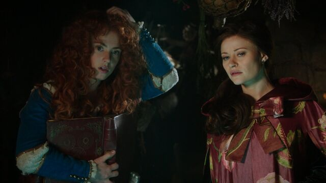 File:Once Upon a Time - 5x06 - The Bear and the Bow - Belle and Merida 2.jpg
