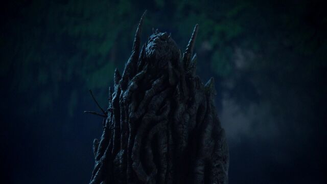 File:Once Upon a Time - 5x05 - Dreamcatcher - Merlin turns into a Tree 2.jpg