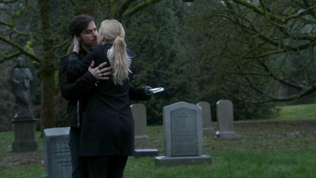 File:Once Upon a Time - 5x21 - Last Rites - Hook Emma Reunite.jpg