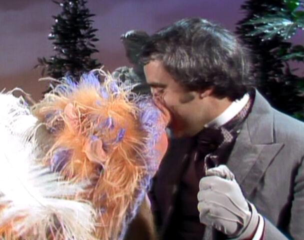 File:Kiss piggy rich little.jpg
