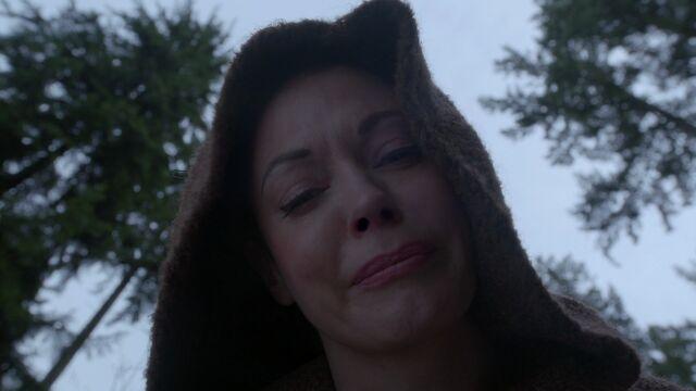 File:Once Upon a Time - 3x18 - Bleeding Through - Cora Abandons Zelena.jpg