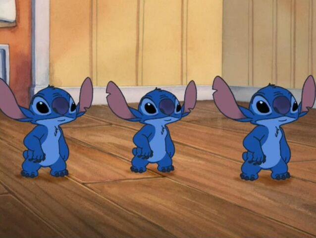 File:Stitch Clones.jpg