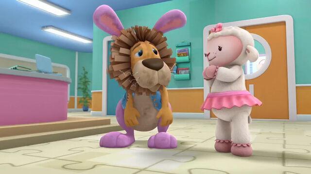 File:Lambie and stanley.jpg