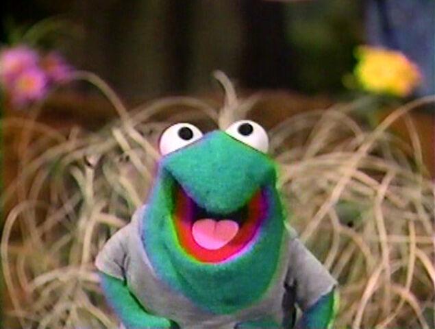 File:Paradise Swamp frogs 04.jpg