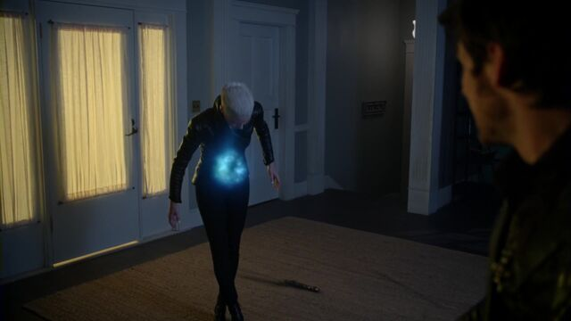 File:Once Upon a Time - 5x08 - Birth - Emma Freezes.jpg