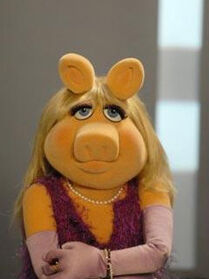 TF1-MuppetsTV-PhotoGallery-07-MissPeggy