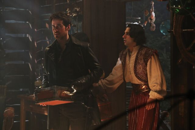 File:Once Upon a Time - 6x14 - A Wondrous Place - Photography - Hook and Aladdin.jpg