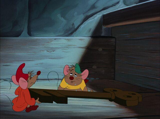 File:Cinderella-Disneyscreencaps.com-8064.jpg
