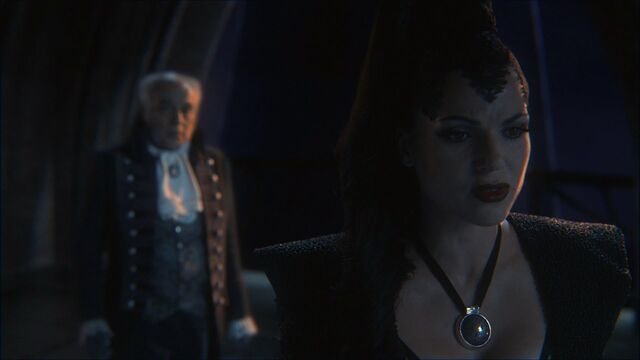 File:Once Upon a Time - 1x02 - The Thing You Love Most - Regina's Realization.jpg