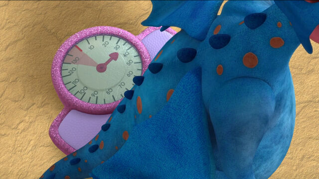 File:Stuffy on the mcstuffins scale.jpg
