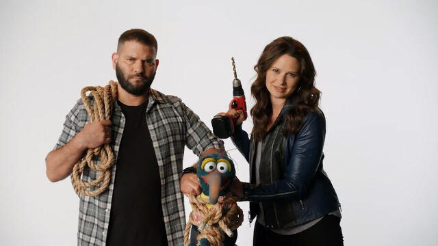 File:Guillermo Diaz and Katie Lowes.jpg