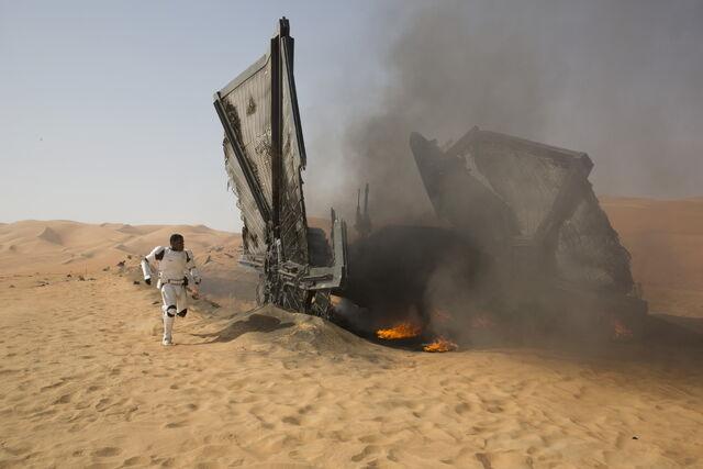 File:The Force Awakens EW 03.jpg
