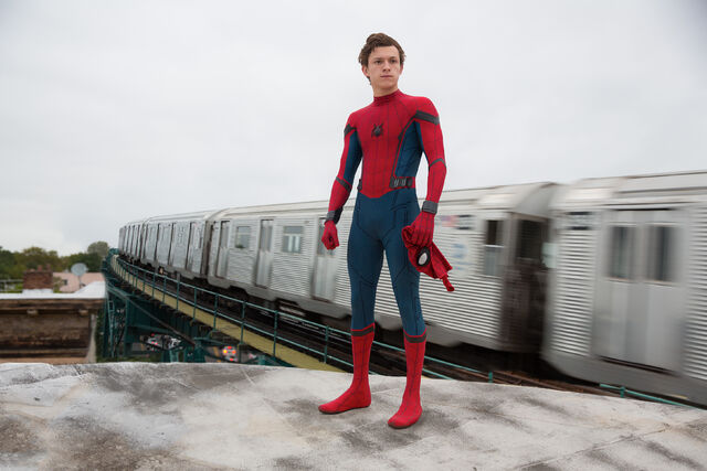 File:Spider-Man Homecoming - Peter Parker.jpg