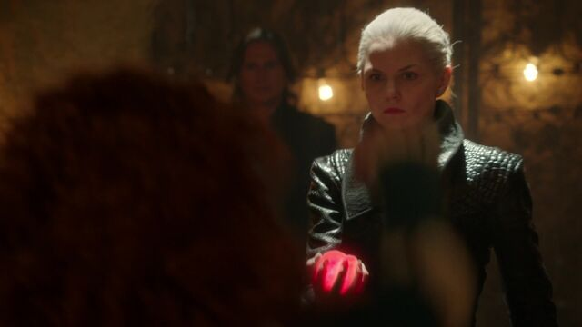 File:Once Upon a Time - 5x05 - Dreamcatcher - Merida's Heart.jpg