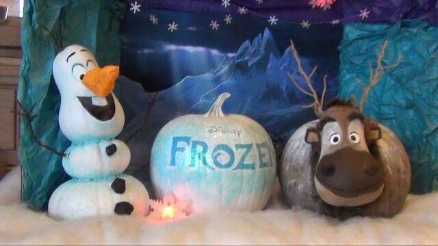 File:Olaf and Sven pumpkins.jpg