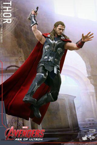 File:Thor AOU Hot Toys 05.jpg