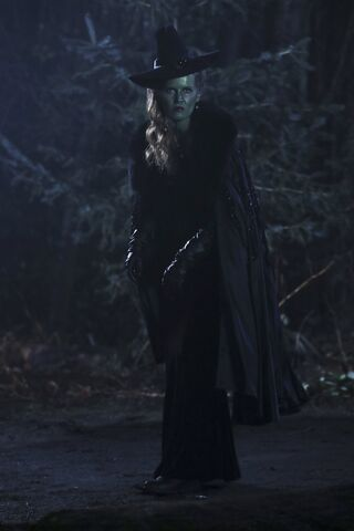 File:Once Upon a Time - 6x18 - Where Bluebirds Fly - Photography - Wicked Witch.jpg