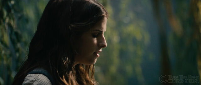 File:Into-the-woods-movie-screenshot-anna-kendrick-cinderella.jpg