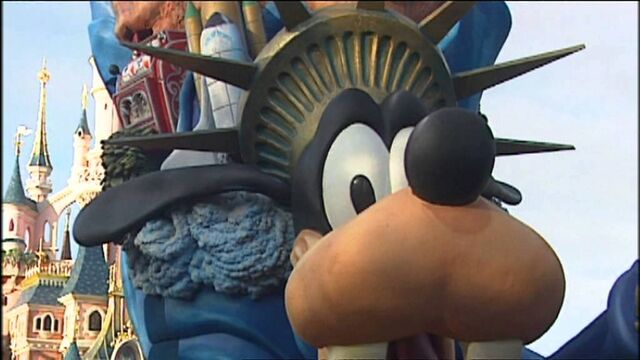 File:North america goofy paris parade.jpg